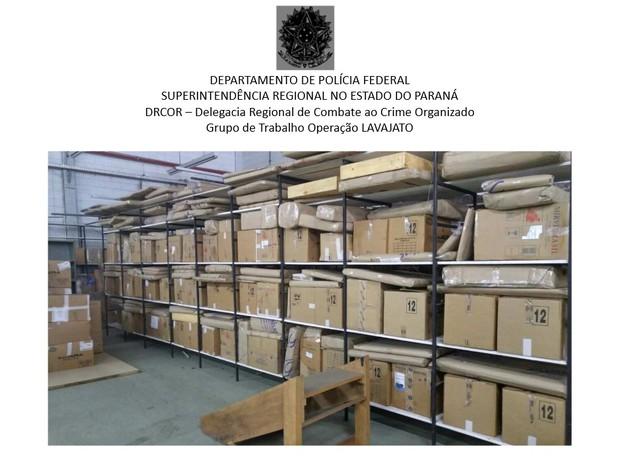 Segundo a Polícia Federal, as caixas contém bens do ex-presidente Lula (Foto: Reprodução)