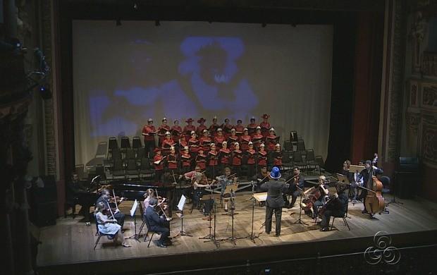 Corais se apresentaram no Teatro Amazonas (Foto: Bom Dia Amazônia)