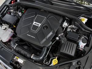 Motor diesel do Jeep Grand Cherokee 2014 (Foto: Divulgação)