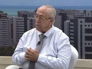 Dr. Milton Hênio fala sobre amamentação  (Foto: Reprodução/TV Gazeta)