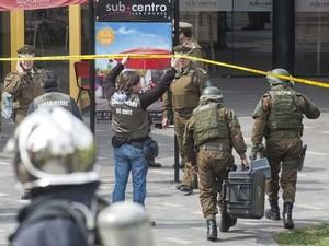 Explosão no metrô do Chile (Foto: AFP PHOTO/SERGIO PINA)