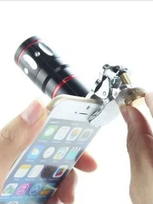 Adaptador de lente teleobjetiva 10x para celular (Foto: Divulgação)