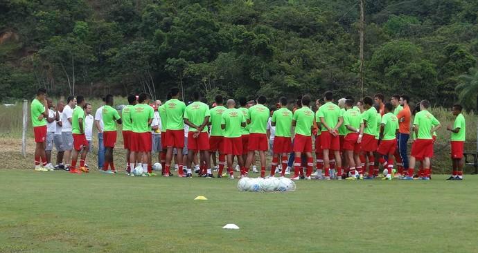Náutico reunião treino (Foto: Daniel Gomes)