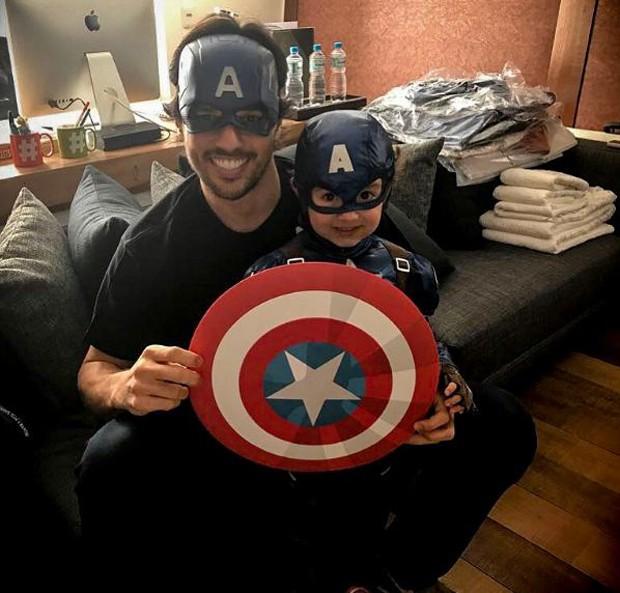 Fabio Faria e o filho, Pedro (Foto: Reprodução/Instagram)