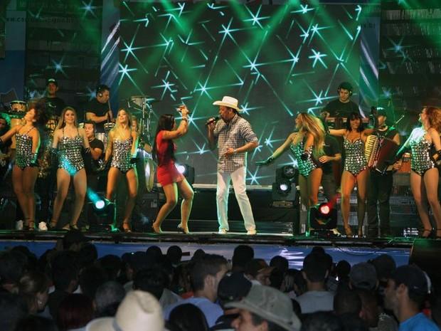 Frank Aguiar animou o público em Campos (Foto: Roberto Jóia / Prefeitura de Campos)