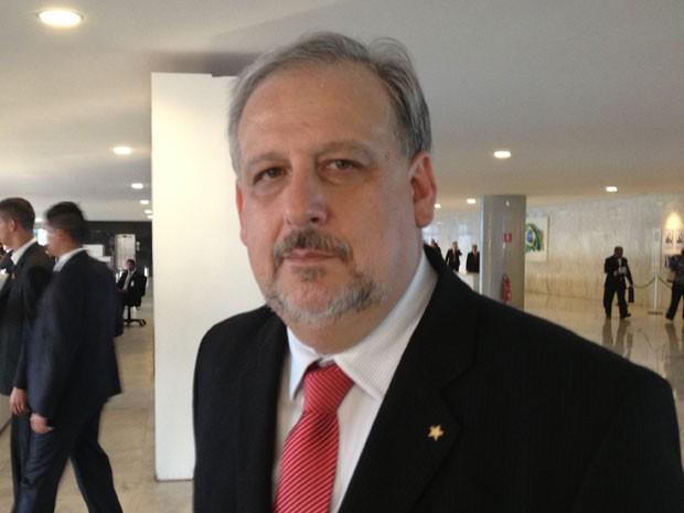 O novo ministro das Comunicações, Ricardo Berzoini, antes da cerimônia de entrega do cargo no ministério (Foto: Renan Ramalho / G1)