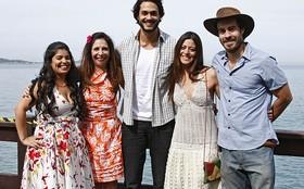 Elenco de Amor Eterno Amor grava cena em belo cenário do Rio de Janeiro