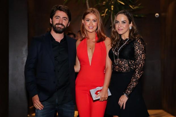 Jackson Nunes com Marina Ruy Barbosa e Isabella Negrao (Foto: Manuela Scarpa/Brazil News)