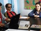 'Dificilmente teriam oportunidade', diz jovem que ensina a deficientes visuais