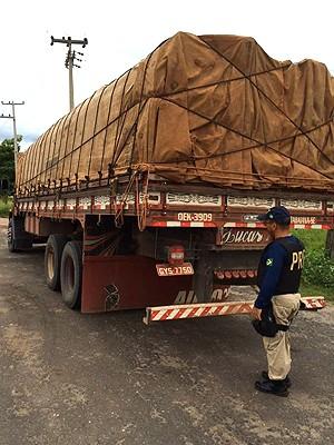Carga seguia do Pará para a capital do Maranhão (Foto: Divulgação/PRF-MA)