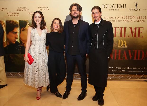 Bia Arantes, Bruna Linzmeyer, Selton Mello e Johnny Massaro (Foto: Manuela Scarpa/Brazil News)