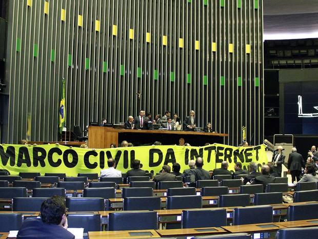 A Câmara dos Deputados reservou o plenário principal da Casa nesta quarta-feira (6) para debater o projeto do Marco Civil da Internet com 22 especialistas convidados.  (Foto: André Oliveira/Câmara dos Deputados)