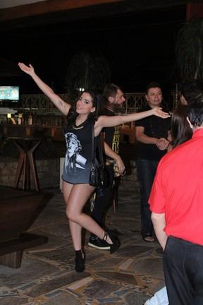 Anitta em churrascaria na Zona Oeste do Rio (Foto: Rodrigo dos Anjos/ Ag. News)