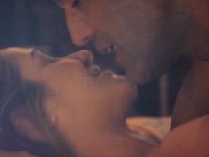 Zyah e Bianca se entregam à paixão (Foto: Salve Jorge/TV Globo)