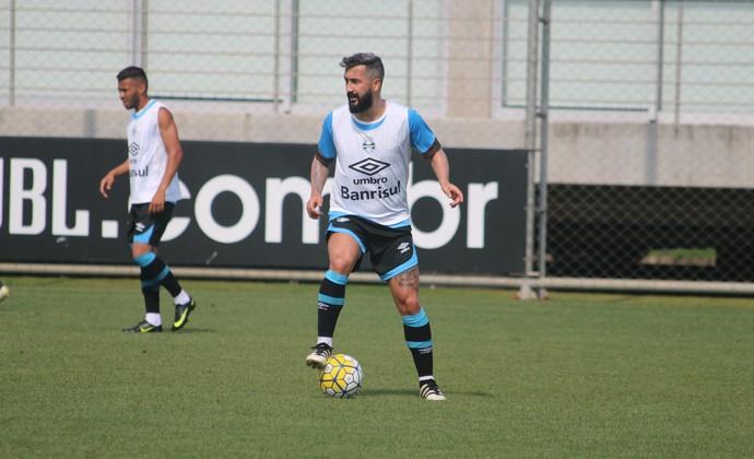 Douglas treino do Grêmio (Foto: Eduardo Moura/GloboEsporte.com)