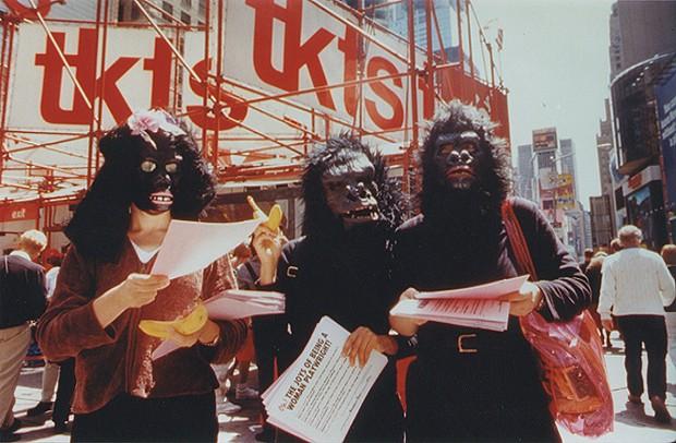 Guerrilla Girls invadem o MASP e questionam a desigualdade no universo artístico (Foto: Divulgação)
