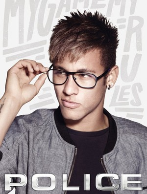 fd31bc47c Neymar é estrela de nova campanha de marca italiana de óculos ...