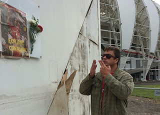 Torcedor homenagem fernandão beira-rio (Foto: Carla Simon/GloboEsporte.com)