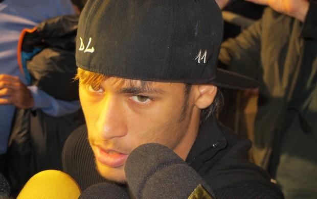 Neymar fala após ser eliminado na Taça Libertadores da América (Foto: Marcelo Hazan / GloboEsporte.com)