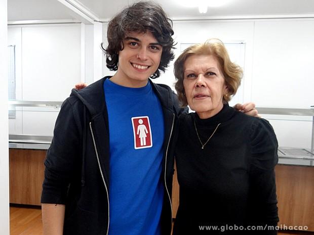 O bolo delicioso foi preparado com todo o amor pela avó de Lucca (Foto: Malhação / TV Globo)