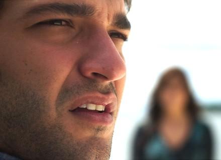 Último capítulo: Tiago acorda desorientado em alto-mar e Marina diz que pesadelo nem começou