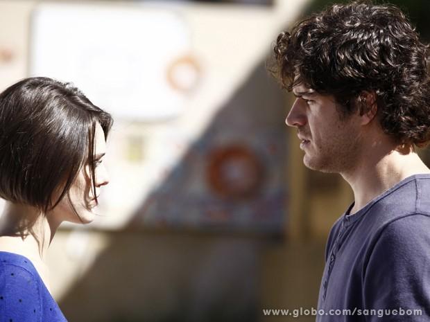 Cara a cara com seu amado, ela diz tudo o que sempre sentiu (Foto: Sangue Bom/TV Globo)