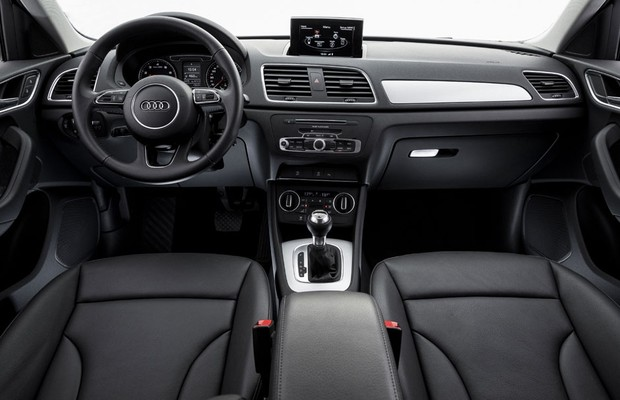 Interior do Audi Q3 Ambiente nacional (Foto: Divulgação)