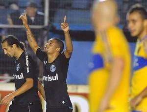 Welliton comemora gol Grêmio Pelotas (Foto: Ag. Estado)