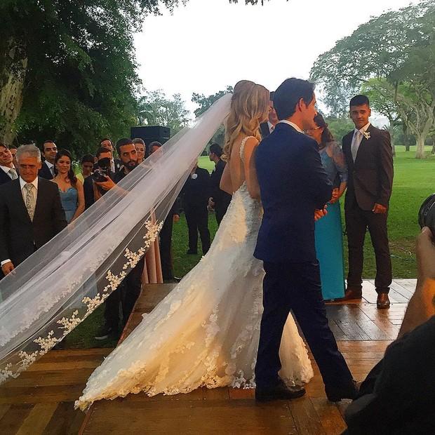 Karen Junqueira se casa com Rodrigo Medina (Foto: Instagram / Reprodução)