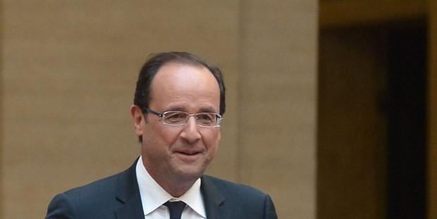 O presidente da França, François Hollande, dá entrevista nesta quinta-feira (14) em Roma (Foto: AFP)