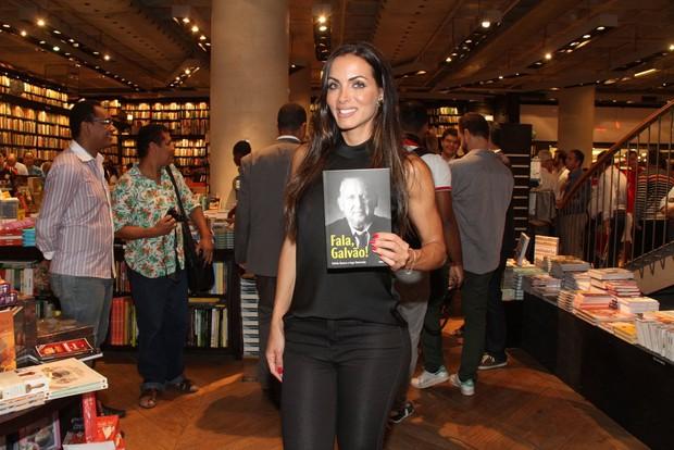 Carla Prata no lançamento da biografia de Galvão bueno no Rio (Foto: Thyago Andrade/Fotorio News)