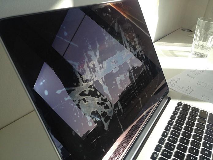 Usuários terão direito ao reembolso caso já tenham consertado seus Macbooks (Foto: Reprodução/Staingate)