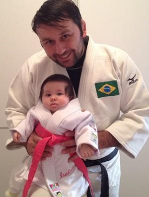 joão derly filha isabela judô quimono (Foto: Reprodução/Instagram)