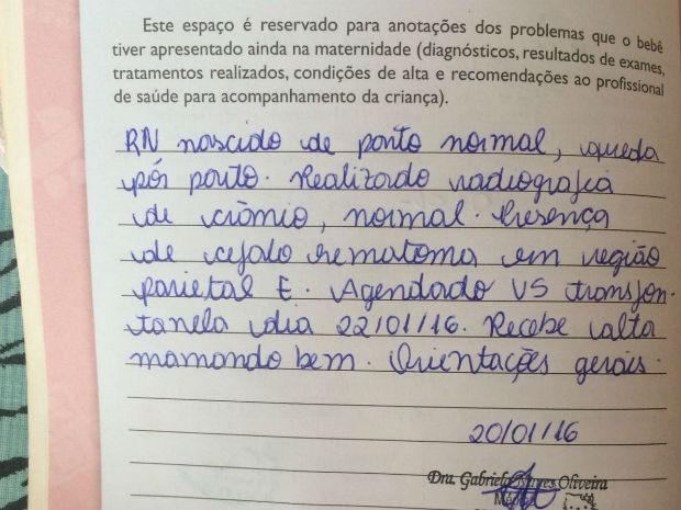 Relatório na caderneta do bebê informa queda, realização de raio-x e estado de saúde: 'mamando bem', diz pediatra (Foto: Arquivo pessoal)