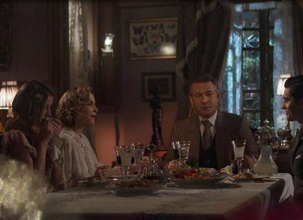 Artur ouve provocações de Alzira durante jantar em família