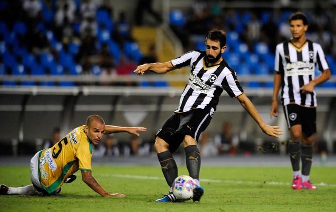 Renan Fonseca, Botafogo x Tigres (Foto: Dhavid Normando / Ag. Estado)
