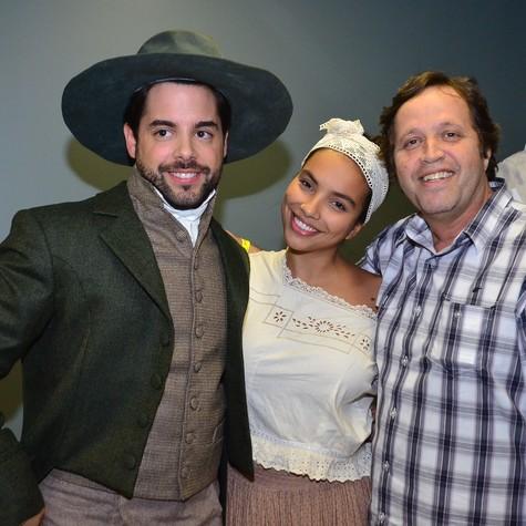 O português Pedro Carvalho, Gabriela Moreyra e Ivan Zettel (Foto: Antonio Chahestian/Record)