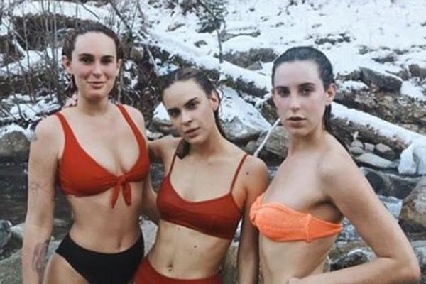 As três filhas de Demi Moore e Bruce Willis, Rumer, Scout e Tallulah (Foto: Instagram)