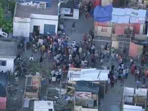 Ação de reintegração de posse no Santo Cristo, na Zona Portuária (Foto: Reprodução/ TV Globo)