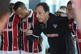 Tas diz que ninguém quer assumir o São Paulo porque Ceni é quem manda