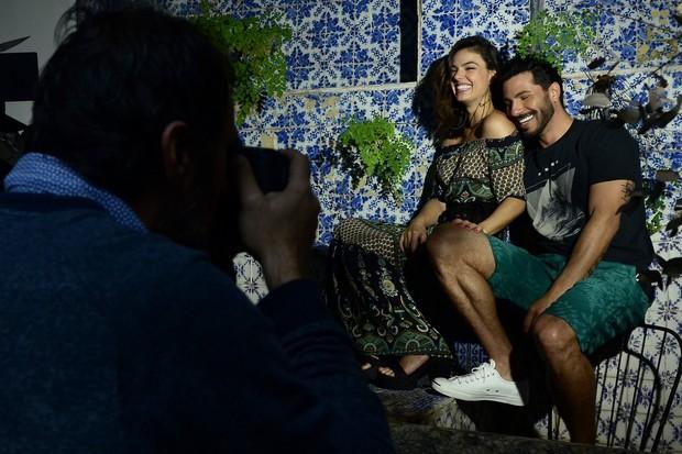 Isis Valverde posa com Uriel Del Toro (Foto: Roberto Teixeira/ EGO)