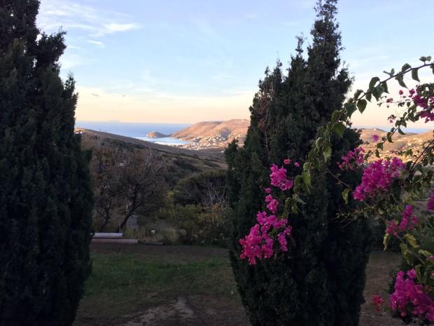 Gavrion, Iha de Andros, onde está José de Abreu, na Grécia (Foto: Arquivo pessoal)