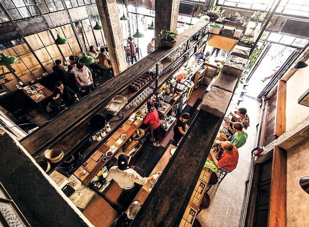 Bravo Lonchería, que serve sanduíches e cervejas regionais, em lugar agradável (Foto: Divulgação)