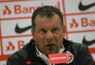 Celso Roth técnico Inter (Foto: Tomás Hammes / GloboEsporte.com)