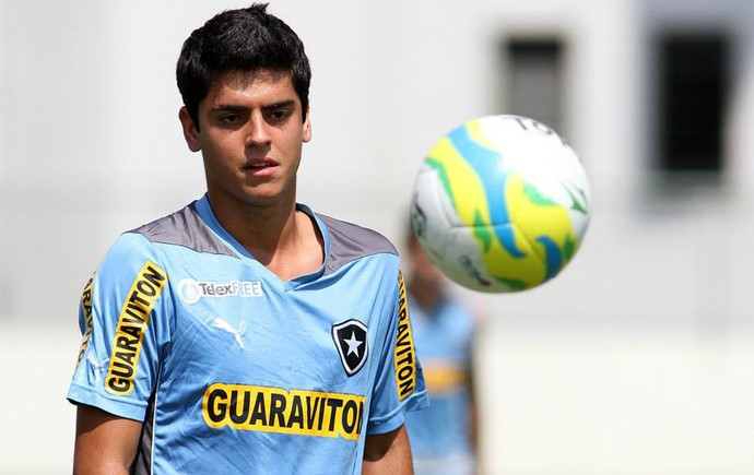 Matheus Menezes Botafogo treino (Foto: Satiro Sodre / SS Press)
