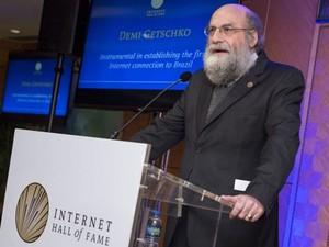 Engenheiro Demi Getschko é o primeiro brasileiro a ser incluído no Hall da Fama da Internet. (Foto: Divulgação/Internet Society)