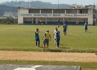 Luiz Gustavo Folego torcedor-massagista Mauaense (Foto: Diel Rodrigues)