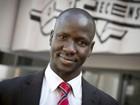 Salvo por irmão, ex-menino soldado sudanês conta como se tornou advogado na Austrália