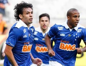 Ricardo Goulart comemoração jogo Cruzeiro contra Flamengo (Foto: Washington Alves / Vipcomm)