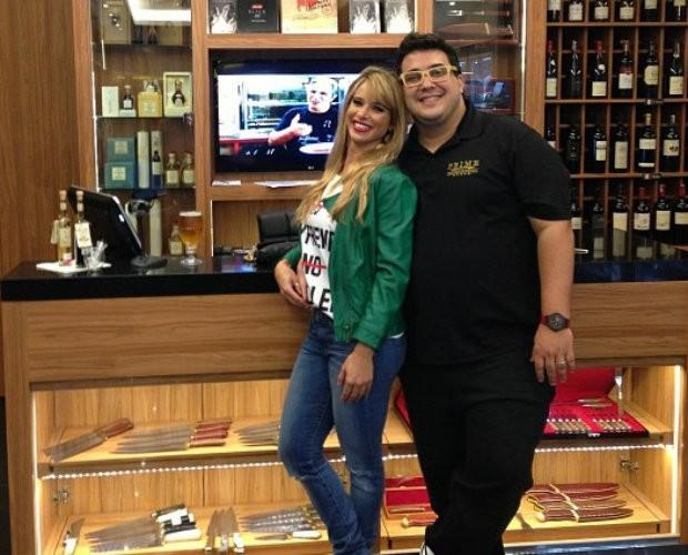 Dany Bananinha e André Marques comemoram amizade de 17 anos (Foto: Caldeirão do Huck/TV Globo)